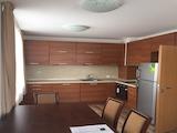 Обзаведен двустаен апартамент с гараж в Цариградски Комплекс