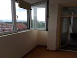 Полуобзаведен тристаен апартамент до метростанция Константин Величков