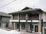 Нова къща на два етажа с двор и гараж, кв. Бояна
