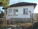 Едноетажна селска къща във винаро-лозарски район до Дунава