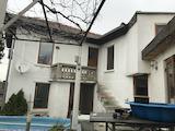 Обзаведена двуетажна къща с басейн  в село на 11 км от Велико Търново