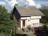 Двуетажна къща в село на 10 км от гр. Габрово