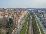 Тристаен апартамент с високи тавани в сърцето на София