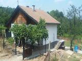 Eдноетажна къща с двор в село на 5 км от град Габрово