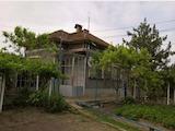 Oбзаведена къща в село на 39 км от Велико Търново
