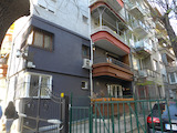 Слънчев тристаен апартамент в близост до НДК