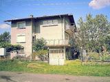 Масивна триетажна  къща в село само на 10 км от гр. Габрово