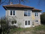 Семейна къща с двор на 30 км от Боровец