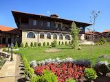Луксозен хотел с басейн на 2 км от град Велико Търново