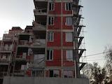Тристаен апартамент в кв. Зона Б 18