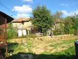 Масивна двуетажна къща с магазин  на 25 км от В.Търново
