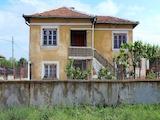 Двуетажна къща на 16 км от Димитровград