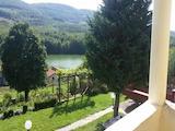 Етаж от къща с гараж  на 14 км от град Севлиево