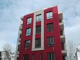 Многофамилна жилищна сграда до супермаркет и училище в Студентски град
