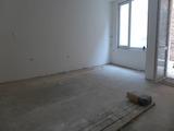 Тристаен апартамент в нова сграда в центъра на гр. София