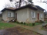 Селскостопански сгради и къща на 37 км от Велико Търново