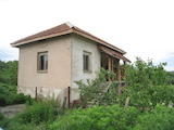 Две къщи с голям двор на 6 км от Вършец