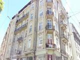 Oфис в аристократична сграда паметник на културата срещу Съдебната палата
