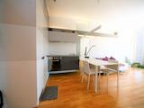 Двустаен апартамент в модерна сграда до мол България