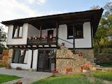 Двуетажна къща с голям двор на 40 км от гр. Велико Търново