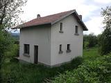 Масивна двуетажна вила  на 35 км от град Велико Търново