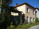 House near Gostilitsa