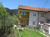 Къща-близнак с красива панорама към гори и Рила планина