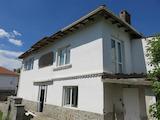 Реставрирана двуетажна къща в близост до Асеновград