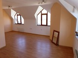 Необзаведен двустаен апартамент на 800м от лифта в Банско