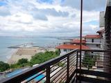 Тристаен апартамент на 50 метра от плажа
