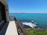 Просторен апартамент с прекрасна панорамна гледка към морето в Лозенец