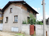 Тhree-storey House Near the Centre of Dobrinishte