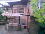 Селски имот с  двор на 30 км от В.Търново
