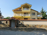 Panoramic 3-storey house with swimming pool 10 km from Plovdiv