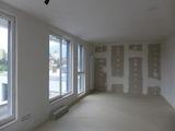 Тристаен апартамент в нова сграда в Дианабад