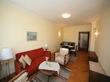 Обзаведен тристаен апартамент до Сердика Център