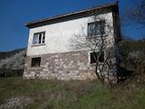 Двуетажна къща на 5 км от Враца