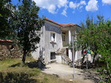 Семейна къща на само 15 км. от град Стара Загора