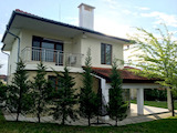 Нова двуетажна къща с двор в село Маринка на 6 км от морето