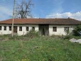 Промышленное здание вблизи к.к. Боровец