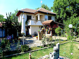 Well-maintained house with yard, summer kitchen and barbecue near Karnobat