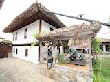 Работеща уютна къща за гости, с арт център и и възможност за бизнес