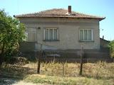 Селска къща с две спални в с. Войница, Видинско