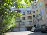 Четиристаен апартамент с гараж и мазе в кв. Витоша