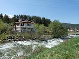 Двуетажна къща с гараж и лятна кухня в близост до ски курорт Боровец