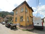 Къща в  подножието на Тетевенския Балкан