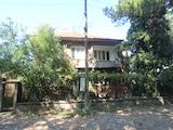 Просторна  къща в село, само на 17 км от Велико Търново