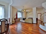 Обзаведен апартамент на три нива до Парадайс Мол