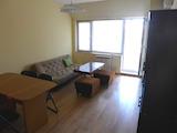 Реновиран тристаен апартамент до Мол София