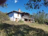 Реновирана къща в стар стил с прекрасна панорама към Рила